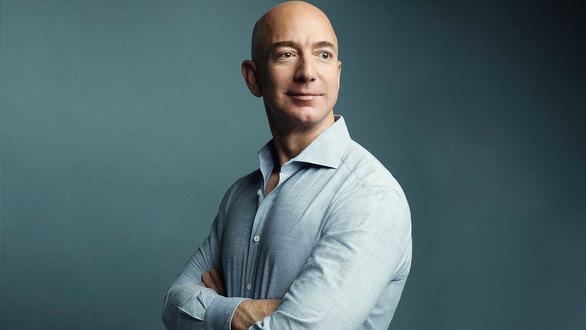 Tỉ phú Jeff Bezos xin biếu NASA 2 tỉ USD đổi lấy hợp đồng chế tạo tàu lên Mặt trăng - Ảnh 1.