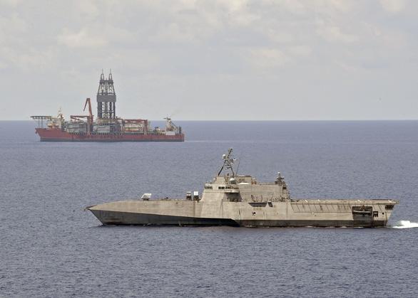 Bộ trưởng Mỹ bác bỏ yêu sách của Trung Quốc, cam kết hỗ trợ các nước ven Biển Đông - Ảnh 2.