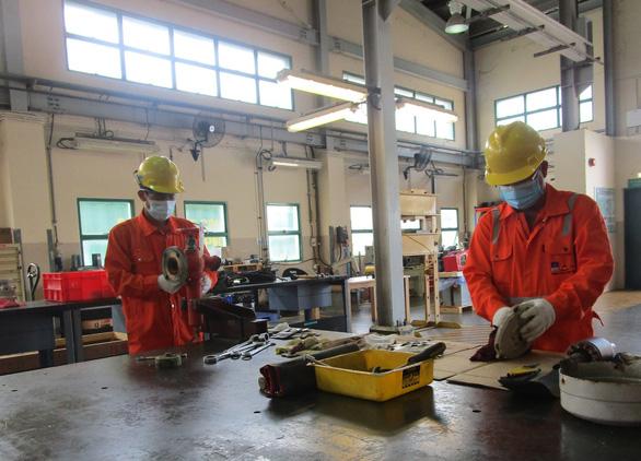 PV GAS Nam Côn Sơn thực hiện phòng chống dịch bệnh nghiêm ngặt và lạc quan - Ảnh 2.