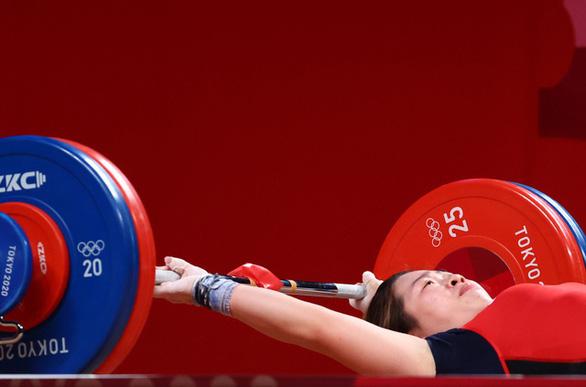 HLV xin lỗi người hâm mộ vì Hoàng Thị Duyên chưa giành được huy chương Olympic Tokyo - Ảnh 1.