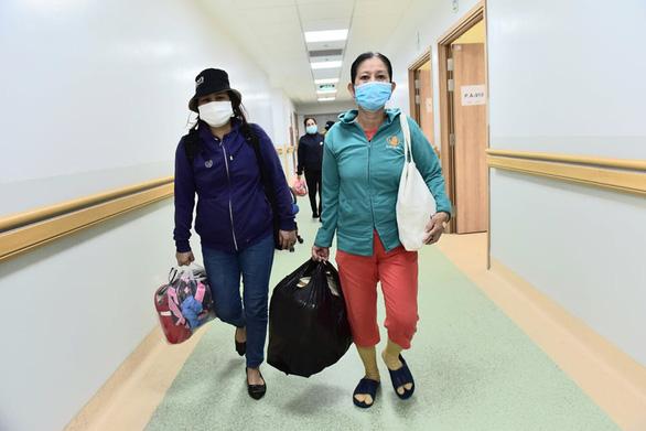 Kỷ lục mới: TP.HCM có 4.353 bệnh nhân COVID-19 xuất viện trong ngày - Ảnh 1.