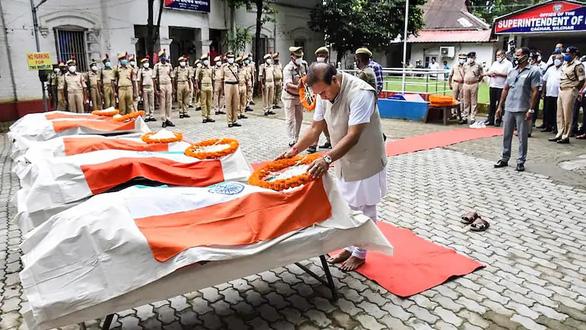 Cảnh sát hai bang Ấn Độ đấu súng, 6 người thiệt mạng - Ảnh 1.