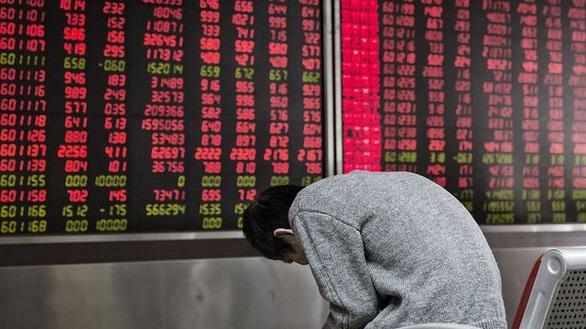 Cổ phiếu Trung Quốc lao đao vì chính sách - Ảnh 1.