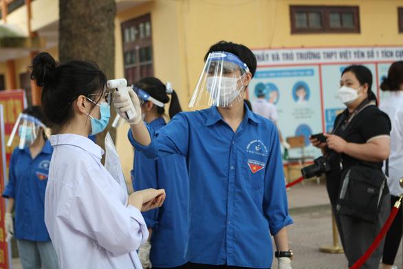 Hà Nội không tổ chức thi tốt nghiệp THPT đợt 2, xét đặc cách cho thí sinh - Ảnh 1.