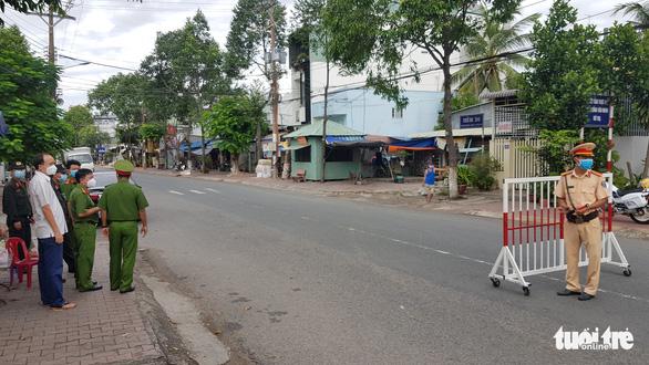 TP Châu Đốc yêu cầu dân ở nhà, địa phương sẽ 'đi chợ' giúp - Ảnh 1.