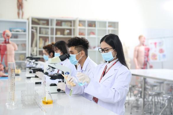 Học tập sẵn sàng cho kỷ nguyên 4.0 tại Trường Đại học Yersin Đà Lạt - Ảnh 4.
