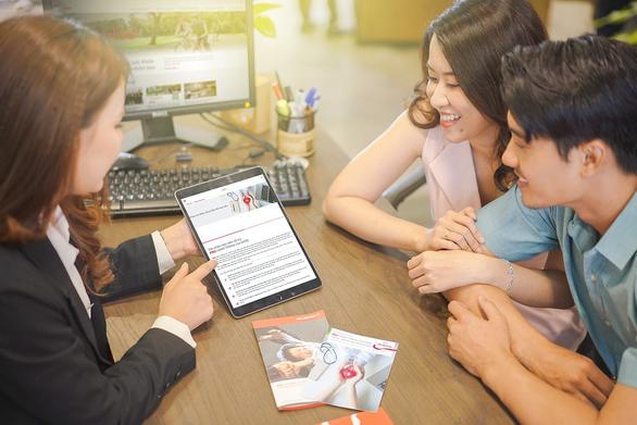 Prudential phát hành hàng chục ngàn hợp đồng bảo hiểm trên nền tảng Shopee - Ảnh 1.
