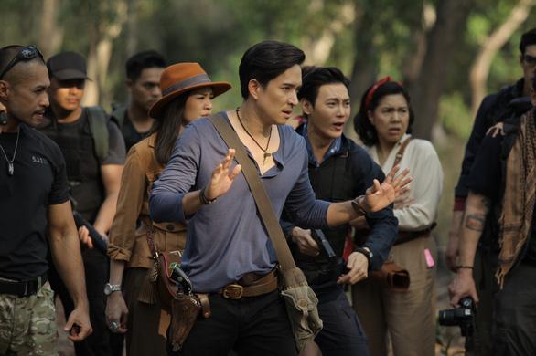 Nam thần điện ảnh Thái Lan đầy quyến rũ trong Vùng đất huyền bí - Ảnh 1.