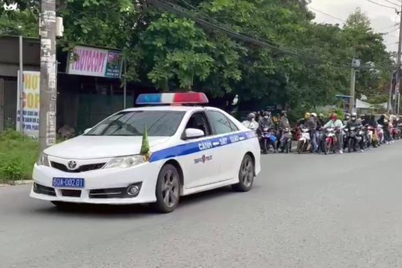 Đắk Lắk và Phú Yên đưa xe vào Đồng Nai đón người dân về quê tránh dịch - Ảnh 1.