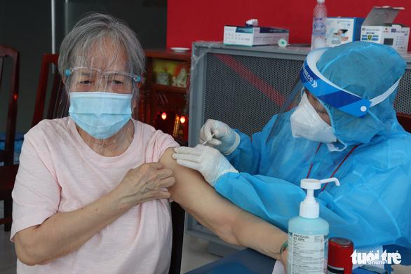 TP.HCM kiến nghị Bộ Y tế phân bổ thêm vắc xin - Ảnh 1.