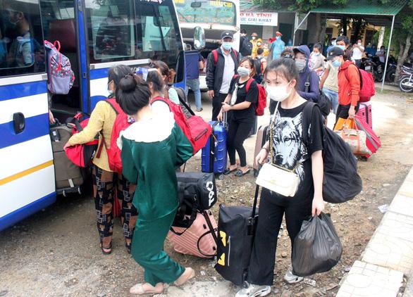 DỊCH COVID-19 ngày 29-7: Hà Nội thêm 39 ca, TP Tam Kỳ tạm dừng một số hoạt động - Ảnh 5.