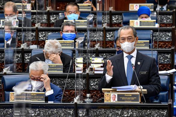 Quốc vương Malaysia nổi giận vì chính phủ dỡ bỏ tình trạng khẩn cấp