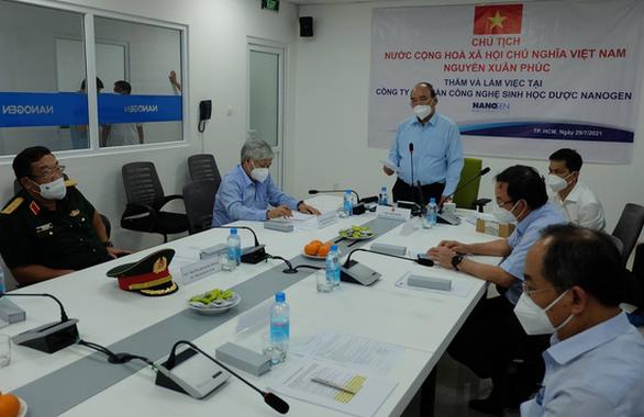 Chủ tịch nước Nguyễn Xuân Phúc yêu cầu Bộ Y tế cấp phép sớm cho vắc xin Nano Covax - Ảnh 4.