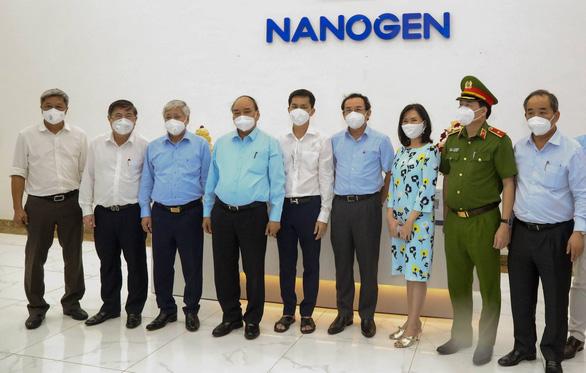 Chủ tịch nước Nguyễn Xuân Phúc yêu cầu Bộ Y tế cấp phép sớm cho vắc xin Nano Covax - Ảnh 3.