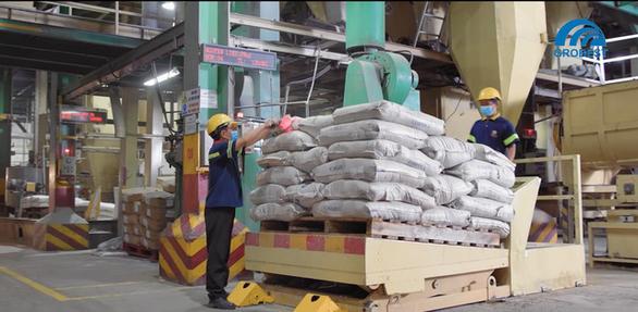 Nhiều nỗ lực duy trì chuỗi cung ứng cho người nuôi tôm mùa dịch - Ảnh 1.
