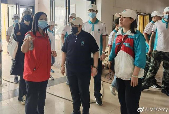 Nghệ sĩ Hoa ngữ tham gia cứu trợ: Chiếc gương chiếu yêu - Ảnh 7.