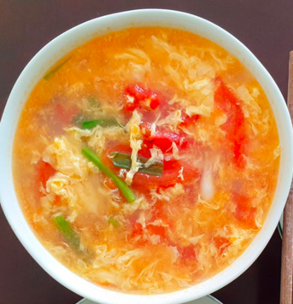 Cá viên xốt mắm tỏi siêu đưa cơm ăn kèm canh cà chua trứng: Đơn giản mà thèm - Ảnh 3.