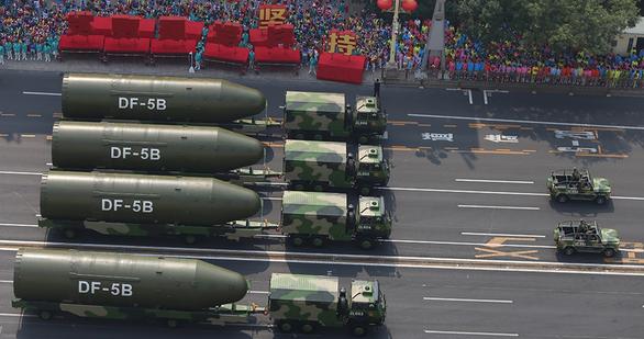 Báo Trung Quốc: Hàng trăm hầm phóng tên lửa hạt nhân mà Mỹ tố chỉ là trụ điện gió - Ảnh 1.