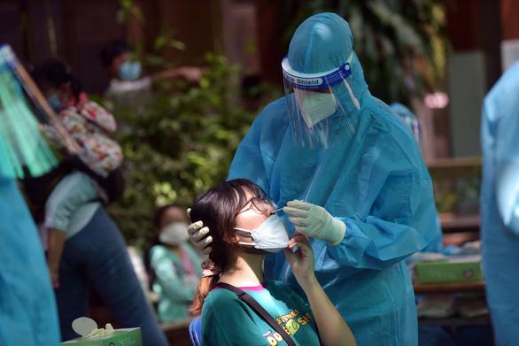 Bệnh viện Nhi Đồng 1 phát hiện 4 ca mắc COVID-19 - Ảnh 1.