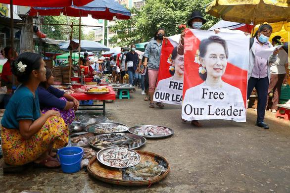 Mỹ trừng phạt các quan chức cấp cao Myanmar - Ảnh 1.
