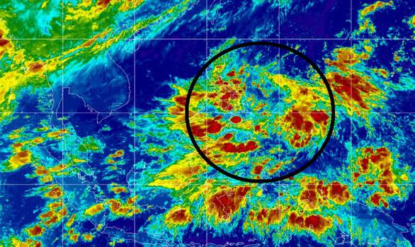 Ngày mai vùng áp thấp vào Biển Đông, từ đầu tuần mưa tăng trên cả nước - Ảnh 1.
