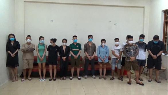 Thánh chửi Dương Minh Tuyền bị bắt khi bay lắc trong quán karaoke - Ảnh 1.
