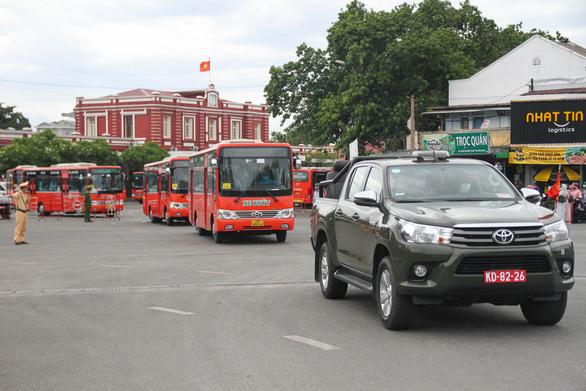 Huế tạm dừng kế hoạch đón người dân từ TP.HCM về quê - Ảnh 2.