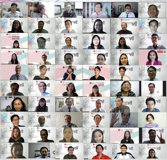 Đại học Văn Lang tổ chức thi năng khiếu trực tuyến cho hơn 2.000 sinh viên - Ảnh 1.