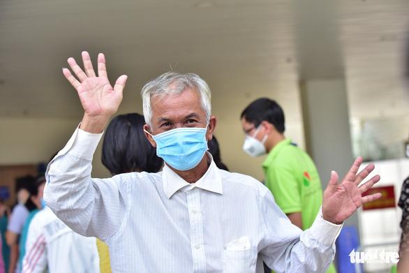 3 ngày liên tiếp, hơn 11.200 bệnh nhân COVID-19 ở TP.HCM xuất viện - Ảnh 1.