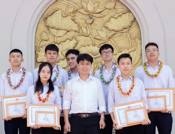Nữ sinh giải nhì môn toán quốc gia theo ngành sư phạm - Ảnh 1.