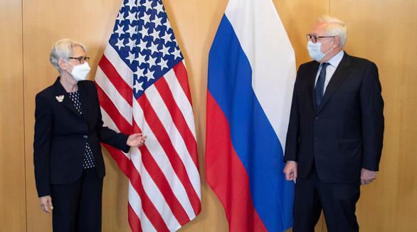 Đàm phán vũ khí hạt nhân với Nga, Mỹ đòi có thêm Trung Quốc - Ảnh 1.