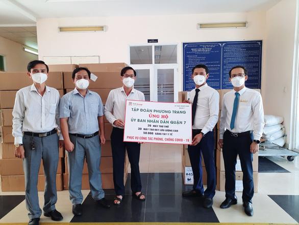 Phương Trang tiếp tục trao tặng máy thở hỗ trợ chống dịch - Ảnh 2.
