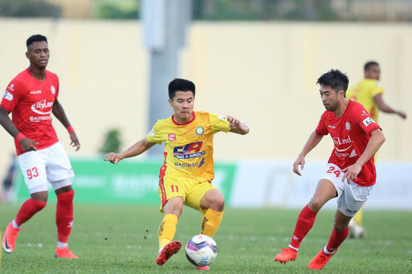 VPF vẫn đề xuất lùi V-League 2021 sang tháng 2-2022 - Ảnh 1.