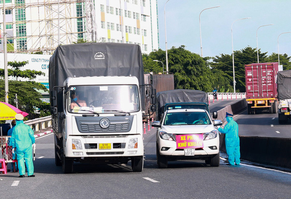 Xe có mã QR vẫn bị làm khó khi qua chốt, Sở Giao thông vận tải TP kiến nghị khẩn - Ảnh 1.