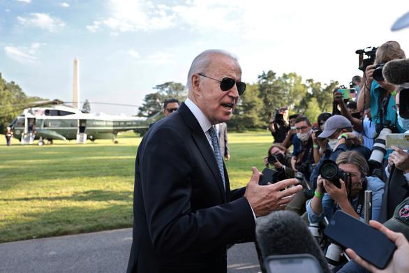 Ông Biden nói Mỹ 'rất có thể' siết giãn cách vì biến thể Delta - Ảnh 1.