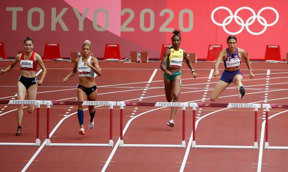 Quách Thị Lan vào bán kết 400m rào nữ tại Olympic 2020 - Ảnh 3.
