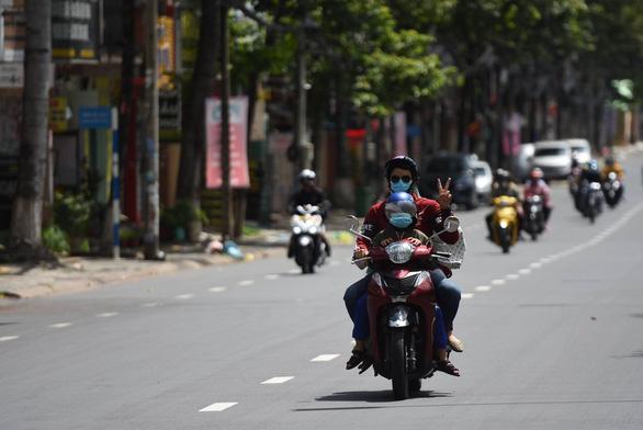 Bình Thuận đề nghị Đồng Nai dừng đưa cả ngàn người ngang qua tỉnh thiếu sự thỏa thuận - Ảnh 3.