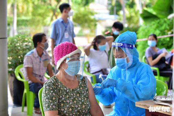 Vắc xin phân bổ cho TP.HCM đến nay trên 3 triệu liều, đủ cho 22,3% người trên 18 tuổi - Ảnh 1.