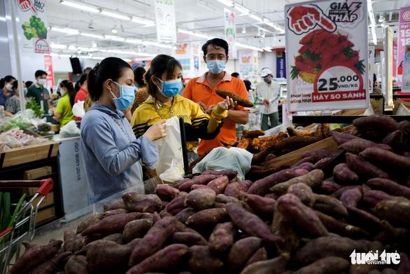 Đà Nẵng không thiếu hàng thực phẩm, người dân không nên đổ xô đi mua - Ảnh 1.