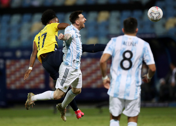 Messi tỏa sáng giúp Argentina hạ Ecuador 3-0 trận tứ kết Copa America 2021 - Ảnh 2.