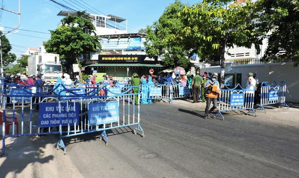 Sự thật truy vết vào chợ cá Hòn Rớ của nữ bệnh nhân COVID-19 ở Phú Yên - Ảnh 1.