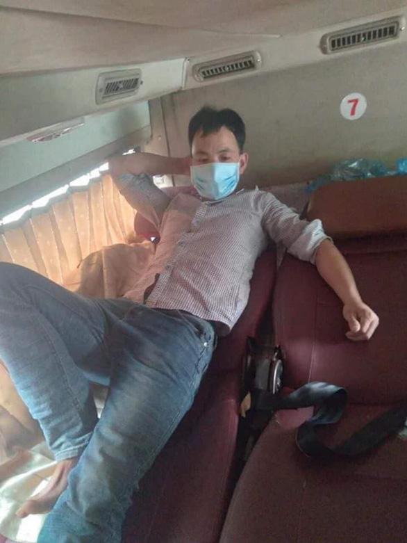 Bỏ trốn khỏi bệnh viện, bệnh nhân COVID-19 khiến 28 người trên xe khách 'vạ lây' - Ảnh 2.