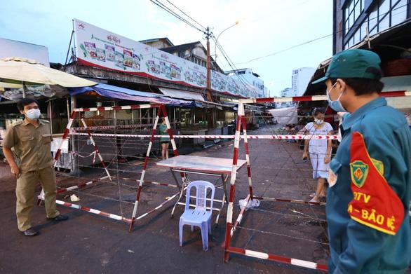 Đóng cửa chợ Tân Định, TP.HCM từ ngày 4-7 do người bán cá nhiễm COVID-19 - Ảnh 2.