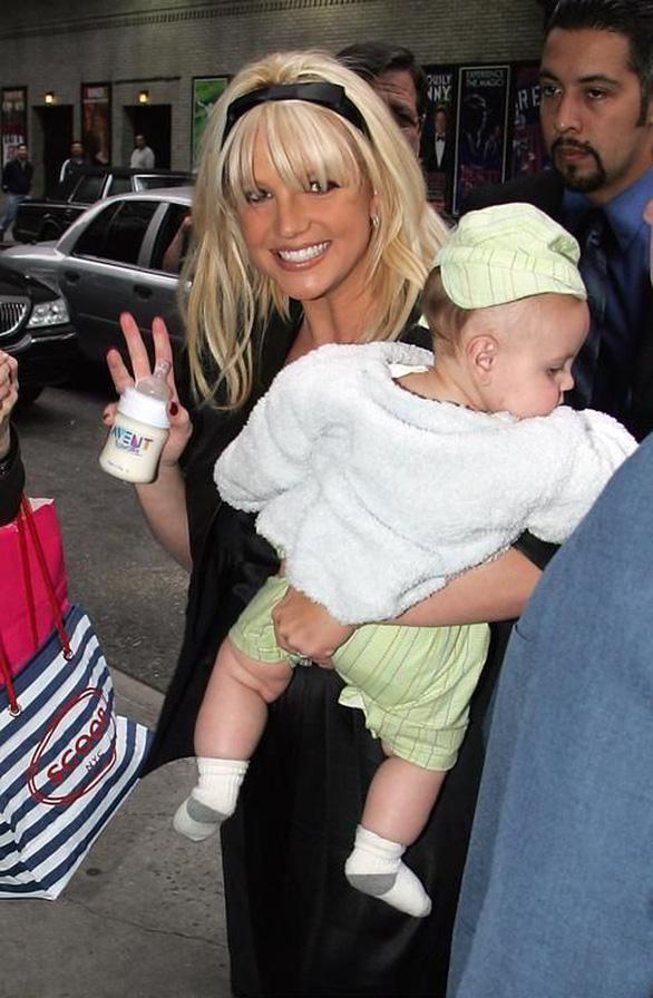 Cuộc sống ác mộng của Britney Spears: Bị đối xử như nô lệ và bị cấm sinh con - Ảnh 4.
