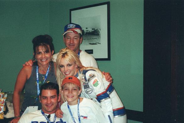 Cuộc sống ác mộng của Britney Spears: Bị đối xử như nô lệ và bị cấm sinh con - Ảnh 2.
