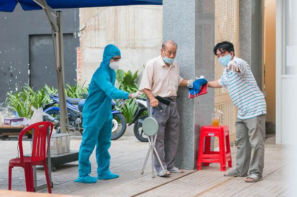 1.000 sinh viên y khoa TP.HCM đăng ký tình nguyện đi chống dịch - Ảnh 3.
