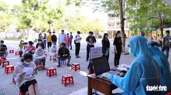 Đà Nẵng xét nghiệm gần 13.000 thí sinh thi tốt nghiệp THPT - Ảnh 2.
