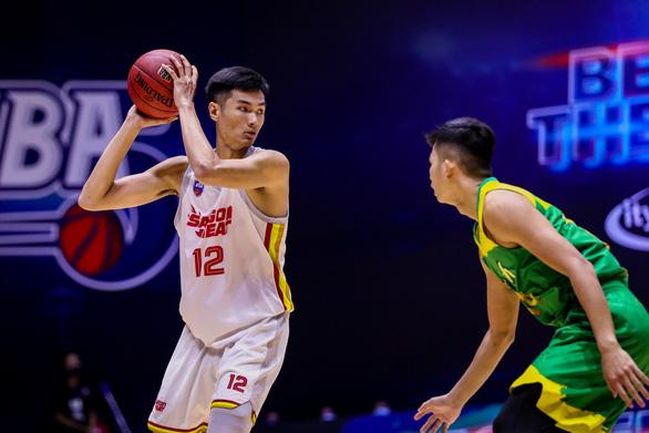 Chuyện chàng tuyển thủ 2m03 Nguyễn Huỳnh Phú Vinh - Ảnh 2.