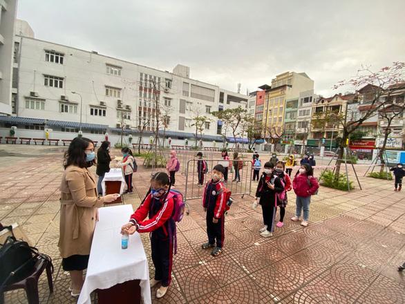 Sở GD-ĐT Hà Nội đề nghị cho học sinh đi học lại từ ngày 10-7 - Ảnh 1.
