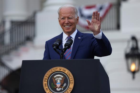 Tổng thống Biden: Nước Mỹ đã trỗi dậy từ bóng tối của COVID-19 - Ảnh 1.